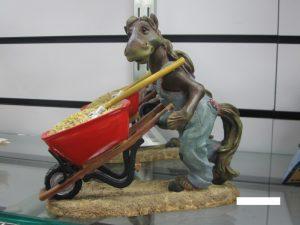 アメリカ乗馬用品店の馬の置物3